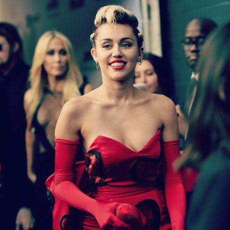 Miley Cyrus thua nhan mu gioi tinh - Anh 1