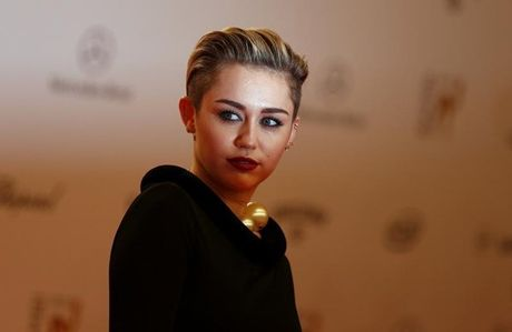 Miley Cyrus thua nhan mu gioi tinh - Anh 2