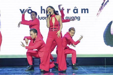 Vo Ha Tram 'lot xac' nong bong trong MV Chay - Anh 3