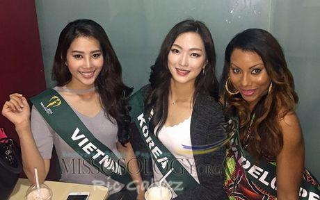 Nam Em khoe voc dang san chac voi bikini tai Miss Earth - Anh 11