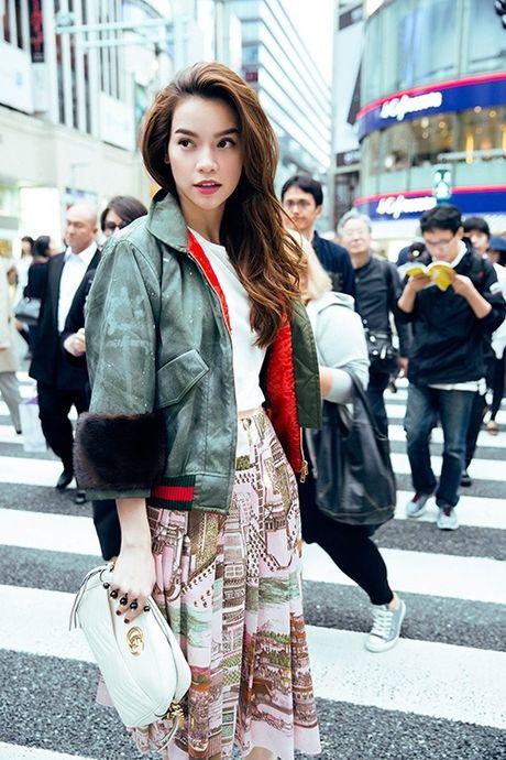 Ho Ngoc Ha dien trang phuc street style cuc chat tren duong pho Nhat - Anh 7