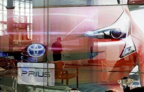 Toyota trieu hoi 340.000 xe Prius tren toan cau do loi phanh tay - Anh 1
