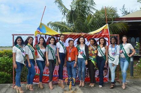 Miss Earth 2016: Thi sinh tao dang ben bang ron nhan nhum, Nam Em 'muon' vay Pham Huong - Anh 1