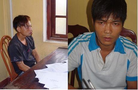 Ha Nam: Bat qua tang 2 doi tuong ban trai phep ma tuy - Anh 1