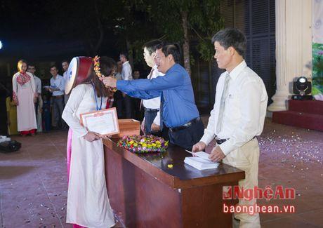 Hon 3.000 tan sinh vien Truong Dai hoc Vinh khai giang nam hoc moi - Anh 5