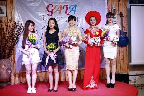 Huong ung 'Chung tay bao ve moi truong' voi vay hoa giay - Anh 5