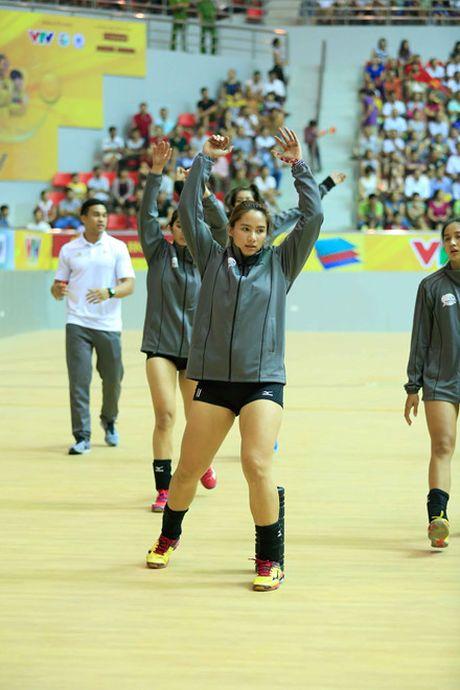 Chum anh: Nhung 'bong hong' tai VTV Cup 2016 - Anh 17