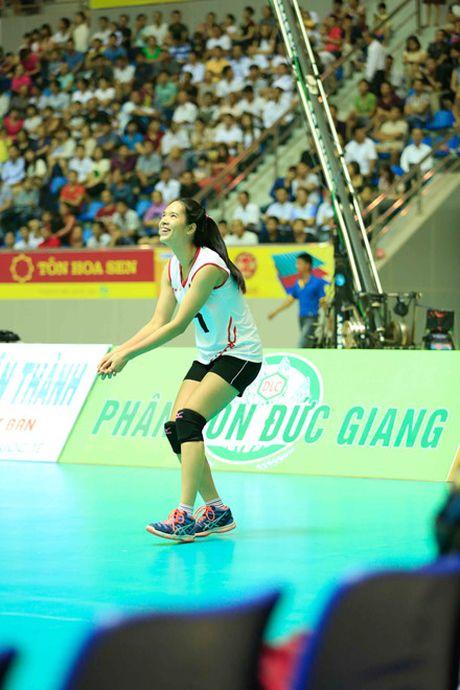 Chum anh: Nhung 'bong hong' tai VTV Cup 2016 - Anh 4