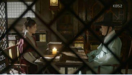 Moonlight: 'Cho-ha' Park Bo Gum bi can than bat ngo ke dao vao co - Anh 10