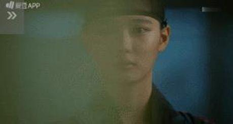 Moonlight: 'Cho-ha' Park Bo Gum bi can than bat ngo ke dao vao co - Anh 16