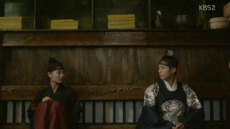 Moonlight: 'Cho-ha' Park Bo Gum bi can than bat ngo ke dao vao co - Anh 18