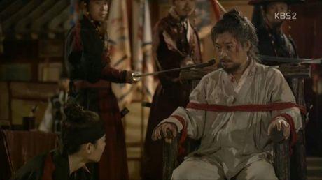 Moonlight: 'Cho-ha' Park Bo Gum bi can than bat ngo ke dao vao co - Anh 1