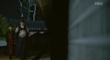 Moonlight: 'Cho-ha' Park Bo Gum bi can than bat ngo ke dao vao co - Anh 22