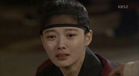 Moonlight: 'Cho-ha' Park Bo Gum bi can than bat ngo ke dao vao co - Anh 2
