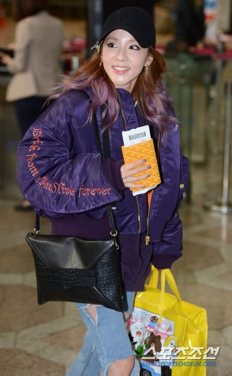 Man do sac doi lap giua Jessica va Dara: Ke sang chanh, nguoi khoe ve dep khong tuoi - Anh 8