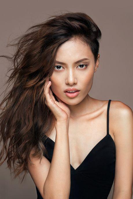 Chi cao 1m54, Fung La van duoc chon mo man cho show Cong Tri tai Vietnam International Fashion Week - Anh 3