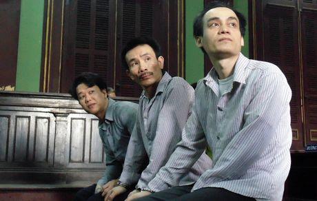 'Dai bang' phong giam danh chet ban tu bi y an tu hinh - Anh 1