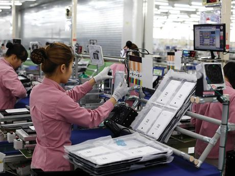 Cu 'say chan' cua Samsung va kinh te Viet Nam - Anh 1