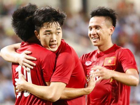 Xuan Truong ve Viet Nam hai tuan truoc AFF Cup 2016 - Anh 1