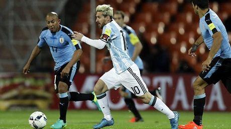 Messi vang mat, Argentina chi la 'con cop giay' - Anh 1