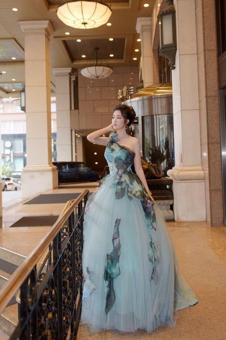 Hoa hau My Linh xinh tuoi hoa than thanh Cong chua Lo Lem - Anh 1