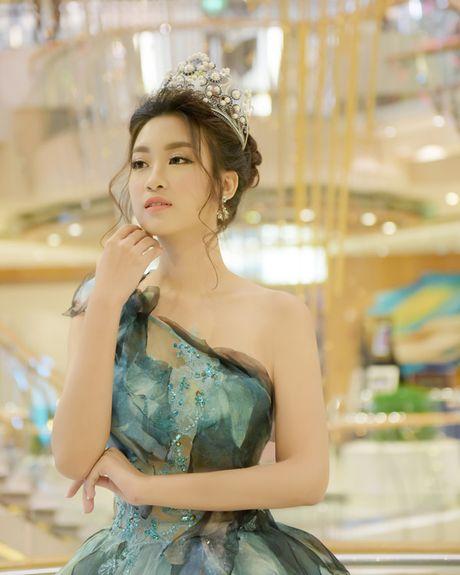 Hoa hau My Linh xinh tuoi hoa than thanh Cong chua Lo Lem - Anh 4