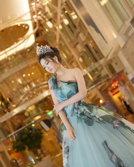 Hoa hau My Linh xinh tuoi hoa than thanh Cong chua Lo Lem - Anh 5