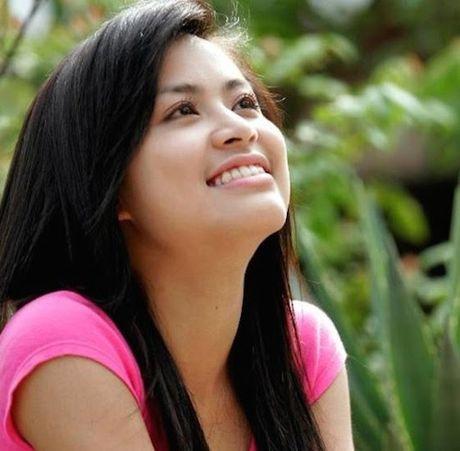 Hoang Thuy Linh 'lot xac' sexy sau 10 nam dong 'Nhat ki Vang Anh' - Anh 1
