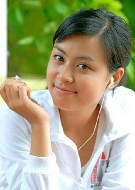 Hoang Thuy Linh 'lot xac' sexy sau 10 nam dong 'Nhat ki Vang Anh' - Anh 2