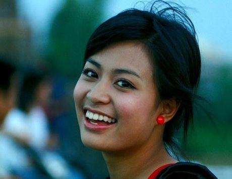 Hoang Thuy Linh 'lot xac' sexy sau 10 nam dong 'Nhat ki Vang Anh' - Anh 3