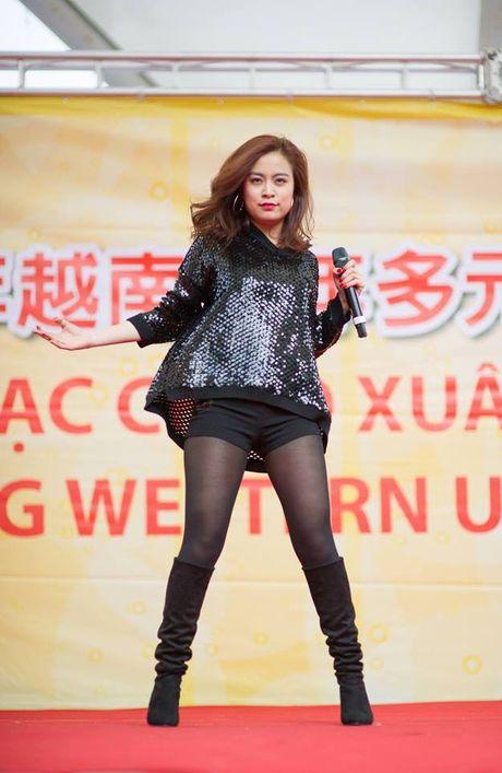 Hoang Thuy Linh 'lot xac' sexy sau 10 nam dong 'Nhat ki Vang Anh' - Anh 6