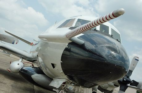 Bat ngo nang luc bao bao cua 'sat thu san ngam' P-3 Orion - Anh 7