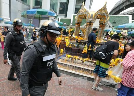 Thai Lan truy lung ke tung tin don ve Nha Vua Bhumibol - Anh 1