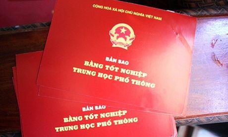 Can bo muon bang va cu nhan trom cho - Anh 1