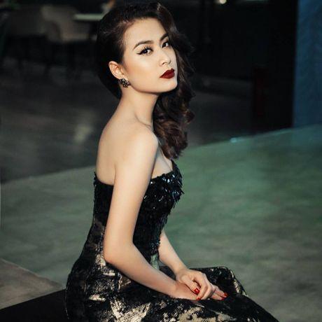 Tung lo bang diem be bet, Hoang Thuy Linh gap rut hoc len... tien si vi bi mat nay - Anh 1