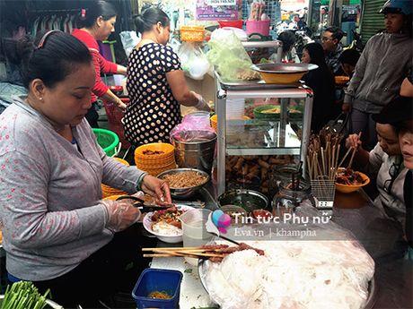 "Ganh bun thit nuong cu den trua lai thom ""nuc mui"" mot goc cho Ban Co - Anh 1"