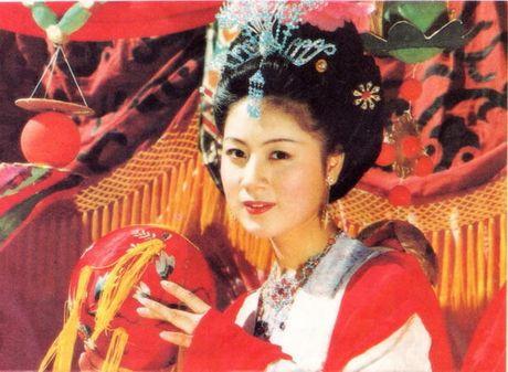 Cuoc doi binh lang cua my nhan thu vai 'me Duong Tang' - Anh 3