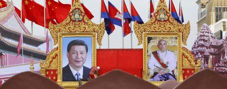 Ong Tap viet bai cho bao Campuchia, noi 2 nuoc 'mai la bang huu' - Anh 2