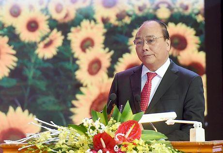 Thu tuong Nguyen Xuan Phuc phat dong '3 dong hanh, 5 ho tro' cho doanh nghiep - Anh 1