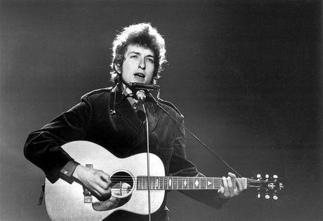 Bob Dylan duoc trao giai Nobel Van hoc 2016 - Anh 1