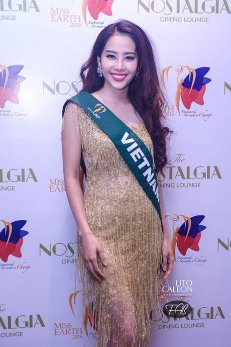 Dien vay giong Pham Huong, Nam Em gay chu y tai Miss Earth 2016 - Anh 1