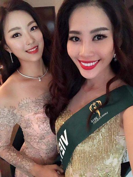 Dien vay giong Pham Huong, Nam Em gay chu y tai Miss Earth 2016 - Anh 3
