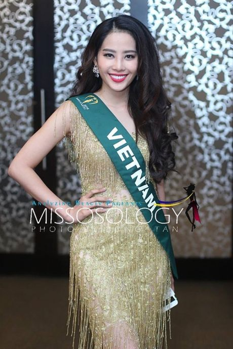 Dien vay giong Pham Huong, Nam Em gay chu y tai Miss Earth 2016 - Anh 5