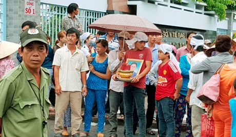 Cach chuc nu Truong khoa San do nhan tien va lien quan cai chet san phu - Anh 1