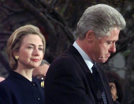 Dinh be boi toi te hon Donald Trump, cuu Tong thong Bill Clinton da thoat hiem ngoan muc nho ty phu nay - Anh 2