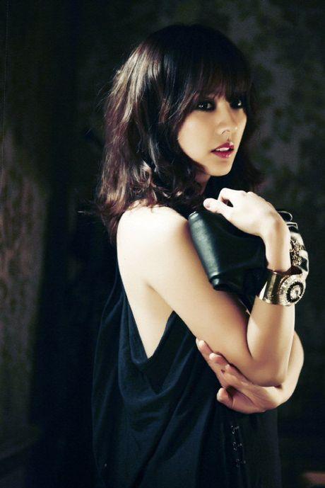 Ro tin Lee Hyori dang chuan bi album moi, netizen suong nhu mo hoi - Anh 1