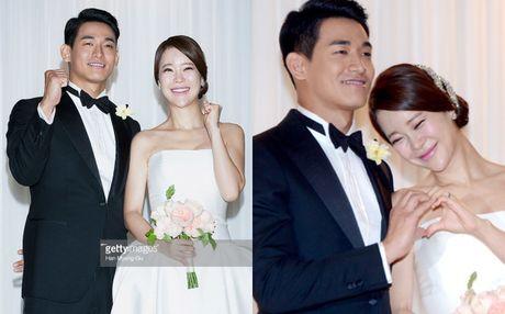 'Nu hoang nhac phim' Baek Ji Young mang thai cung chong kem 9 tuoi - Anh 1