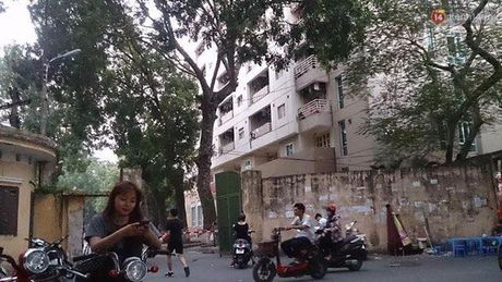 Ha Noi: Nam sinh DH Thuy Loi roi tu tang 7 xuong dat tu vong - Anh 1