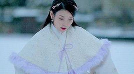7 tinh tiet kinh dien trong Moon Lovers duoc 'xao lai' tu Bo Bo Kinh Tam - Anh 3