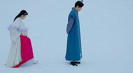 7 tinh tiet kinh dien trong Moon Lovers duoc 'xao lai' tu Bo Bo Kinh Tam - Anh 4